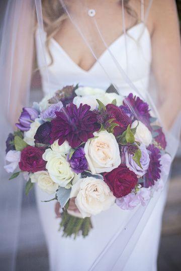 Winter Romance in Laguna Beach Photo Credit | Nicolette Moku Florals | Bloom of Time