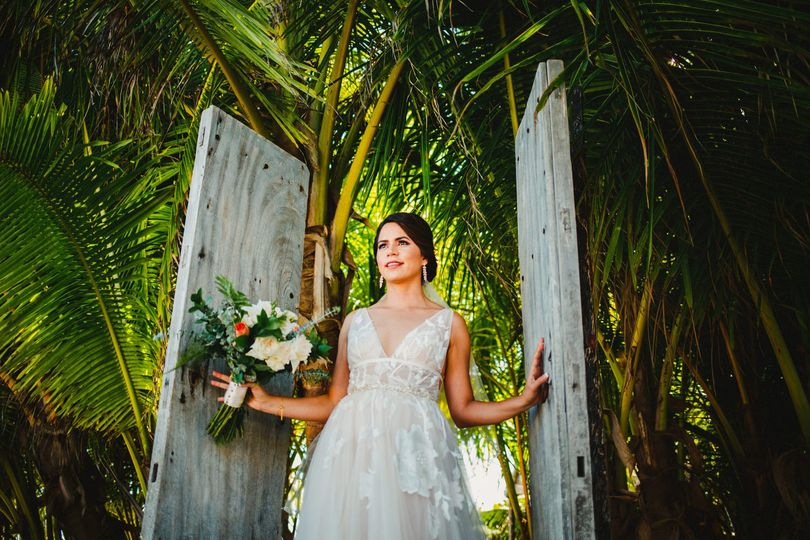 Sneak peek bride