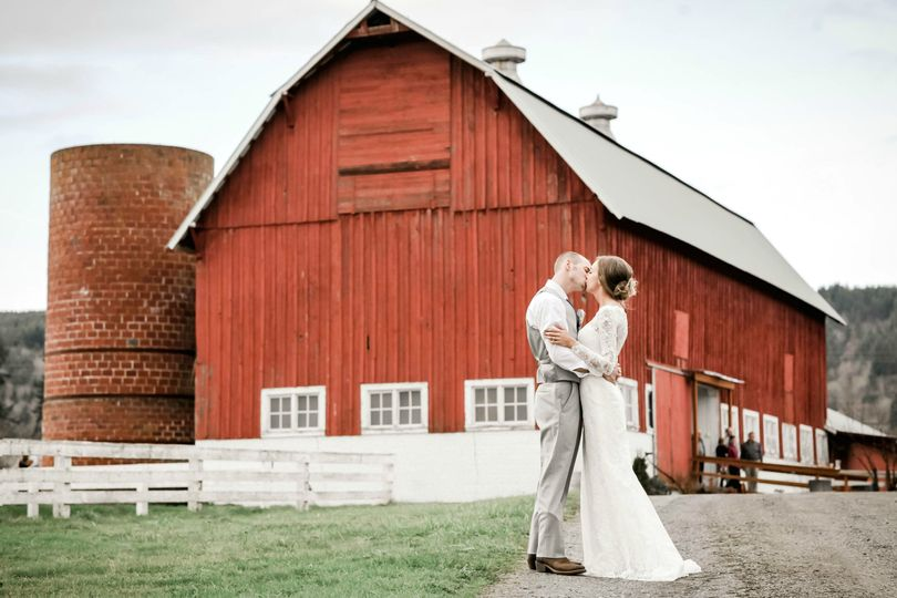 We just can't get enough of this barn!