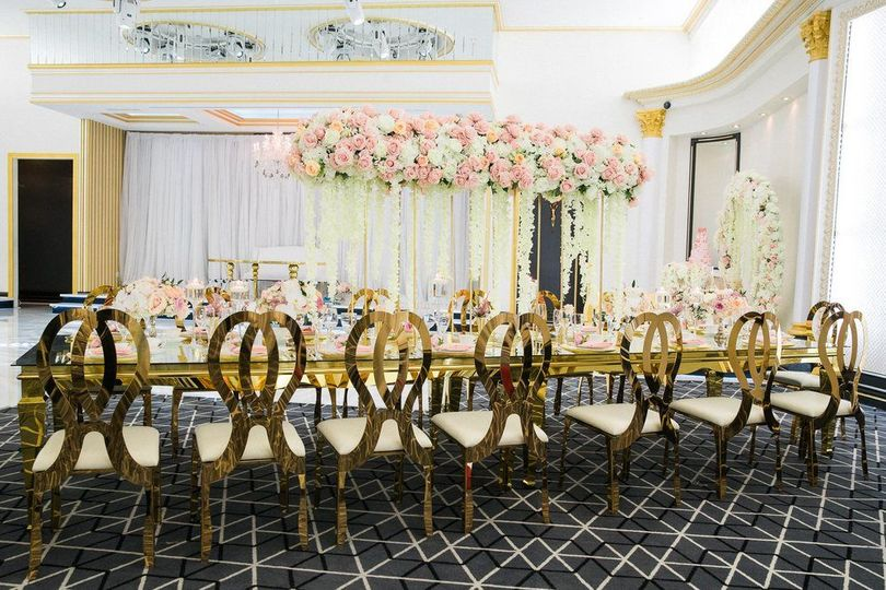 Reception table and decor