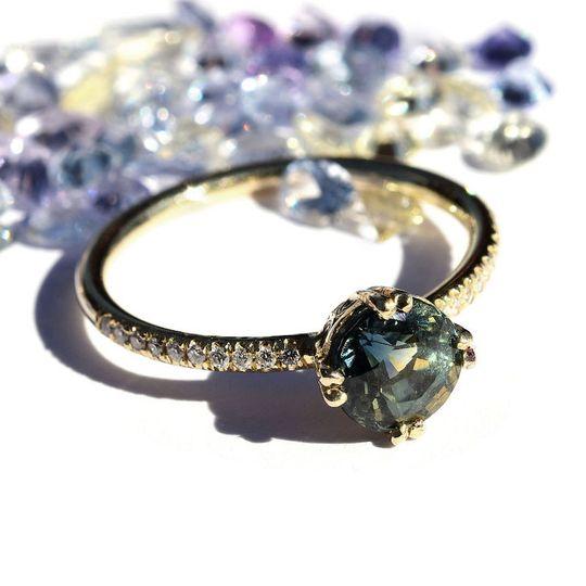 The Hodaya sapphire ring