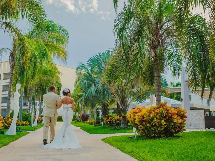Tmx 1437588497534 The Knot5 Minot wedding dress