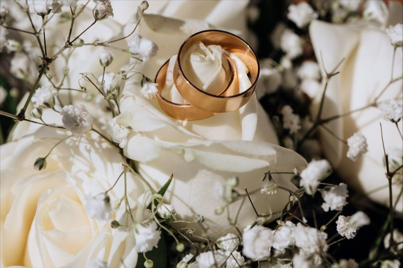 wedding officiant 04 51 1977733 160174985420375