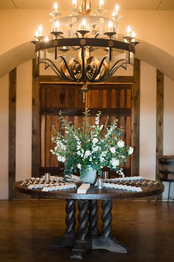 Floral centerpiece and table cards