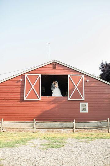 taylor carlos craven farm wedding craven farm rustic red barn 51 309733 1560663611