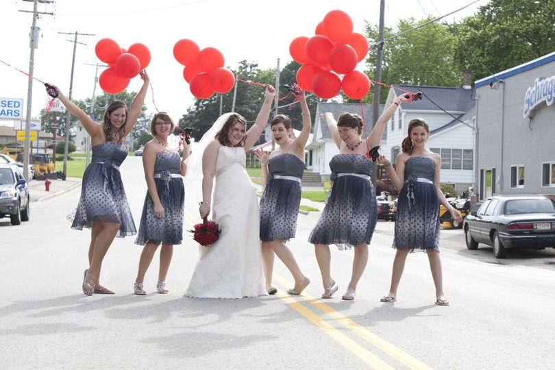 732861e521875aa8 1375492699843 wedding pictures 3810