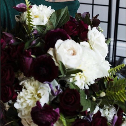 Brittney Kee Floral Design  - elegant wedding florals