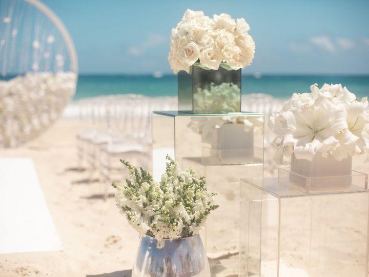 Tmx Weddinginspiration Modernenchantment Ceremony Aisledecor Edited 51 1551833 159172404064844 Rogers, MN wedding travel