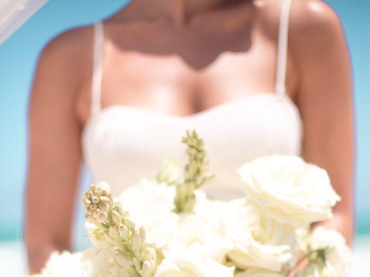Tmx Weddinginspiration Tropicalparadise Ceremony Bouquet Edited 51 1551833 159172397778759 Rogers, MN wedding travel