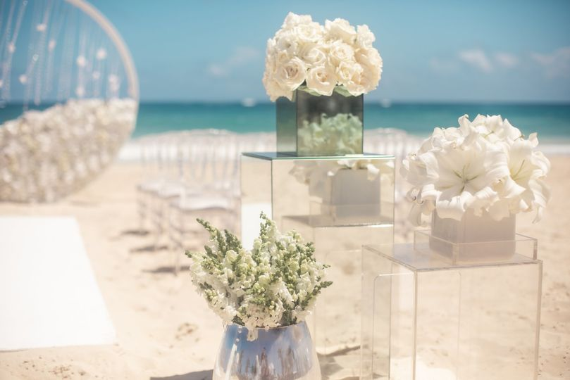 weddinginspiration modernenchantment ceremony aisledecor edited 51 1551833 159172404064844