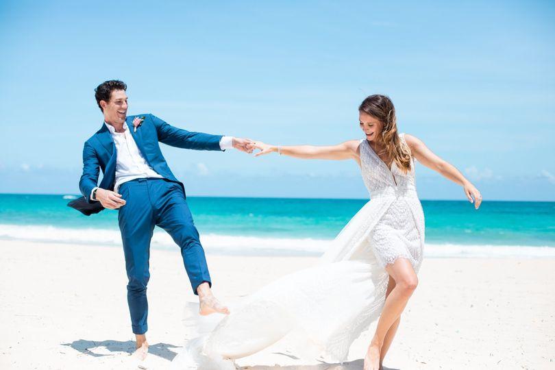 weddinginspiration tropicalparadise lifestyle14 edited 51 1551833 159172360679602