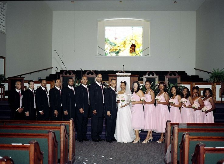 Speeler wedding - newlyweds with wedding party