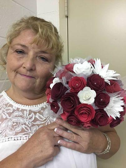 Bride with keepsake bouquet