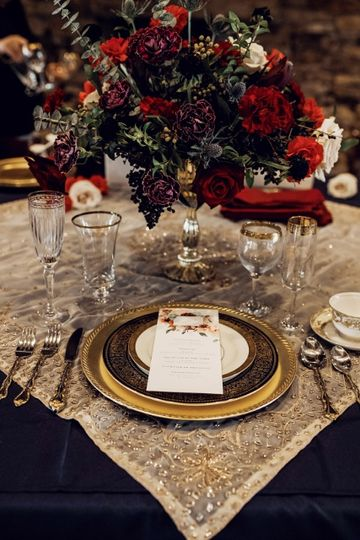 Vintage Centerpiece setting
