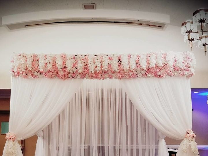 Tmx 1535686769 7d0114be0f9126ca 1535686767 582a167b77e94678 1535686764913 1 Backdrop   Copy Huntersville, NC wedding florist