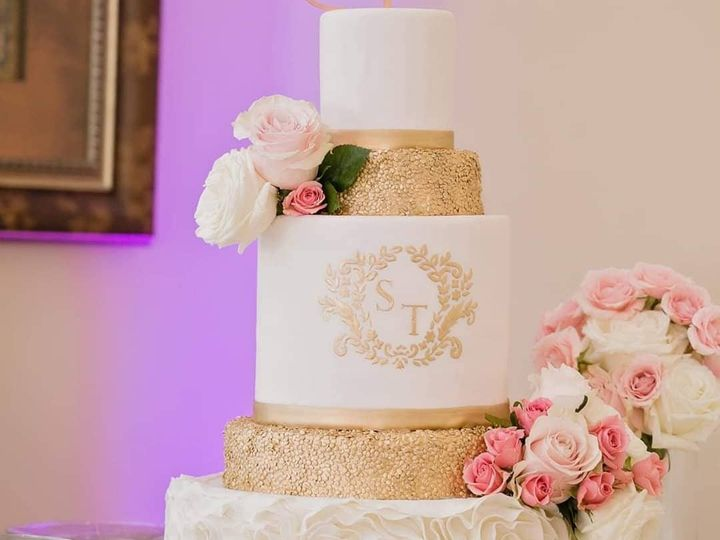 Tmx 74272153 912935862439869 1184384412087746560 O 51 748833 157379189819635 Huntersville, NC wedding florist