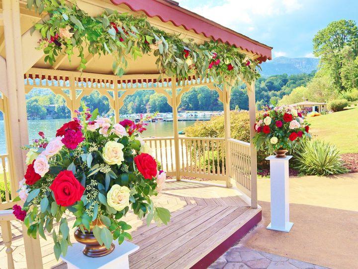Tmx Img 1514 51 748833 157379081287553 Huntersville, NC wedding florist
