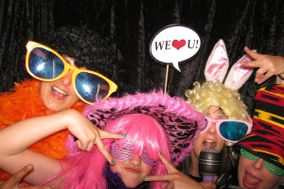 Strike A Pose Maui, PHOTO BOOTH RENTALS