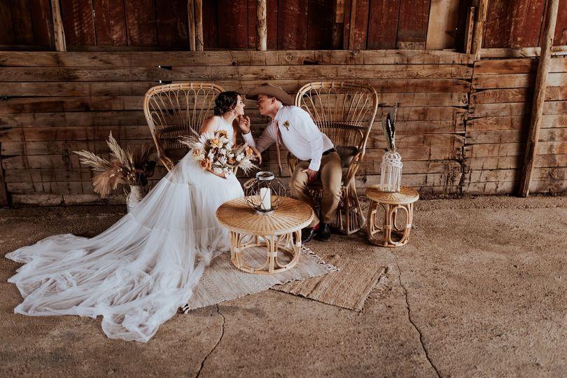 harmon farms styled shoot boho farm wedding eaton colorado out west events colorado springs vintage violets photography 802021 51 2030933 162135982940015