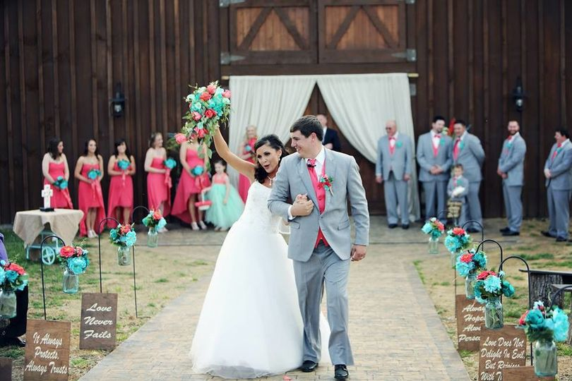 Newlyweds - Happily Ever After at the Barn