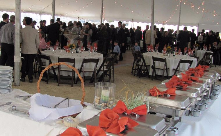 800x800 1508434751853 outdoors20wedding20buffet20setup203.jpg