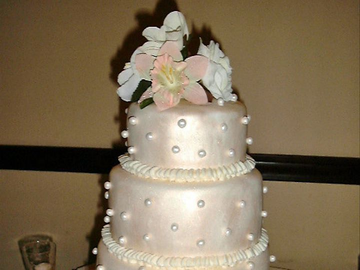 Tmx 1441176671226 Pdrm0019edited 1 Metamora wedding cake