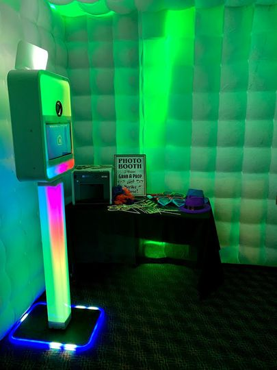 PhotoBooth inside inflatable