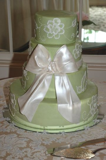 Sage buttercream with a great pearlized sugar bow