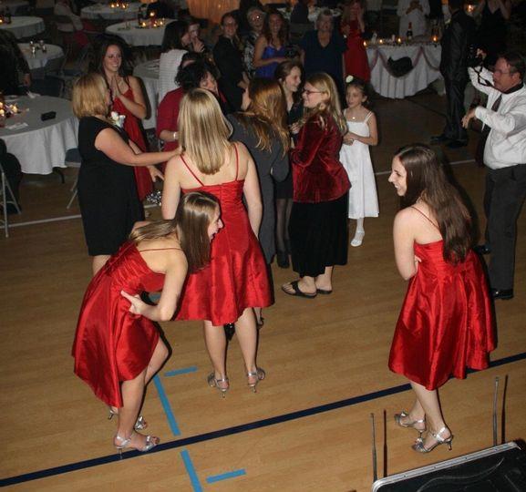 Bridesmaids cutting the rug