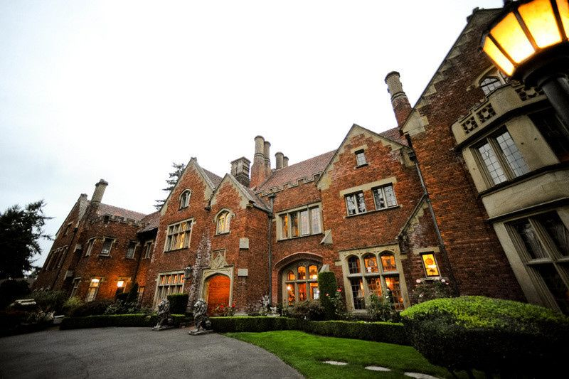 Thornewood castle venue lakewood wa weddingwire for Indoor wedding venues washington state