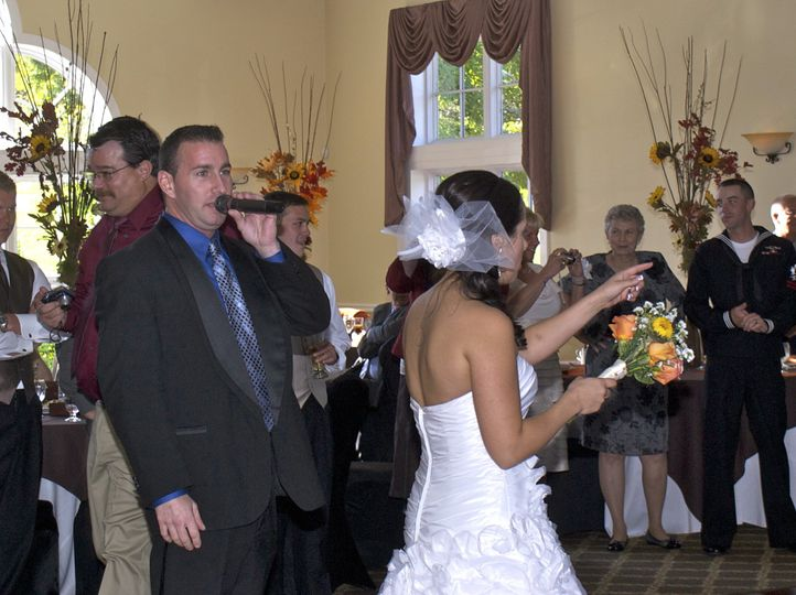 DJmikewallace of DTM Productions guides the Bride