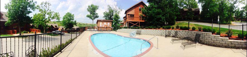 Branson Missouri Cabins pool area