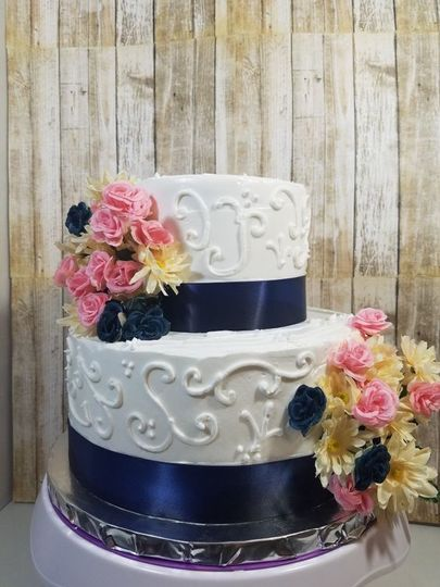 2 tier ribbon and scroll design