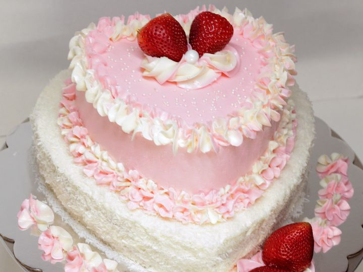 Tmx 1525202226 975b6c4aec480b76 1525202160 740dd1bbdfeaec04 1525202158 D10c04ffd4f6131f 152520 Paso Robles, California wedding cake