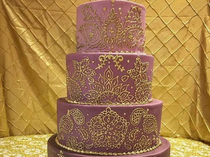 Tmx 1530806574 Ce910e36d2f4f5c4 1530806573 9a57c427aa7b0dc6 1530806566455 2 25348513 146414325 Saint Louis wedding cake