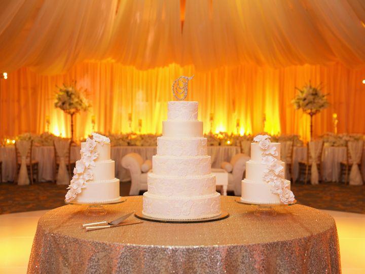 Tmx Ka 1171 2808 51 21043 Saint Louis wedding cake