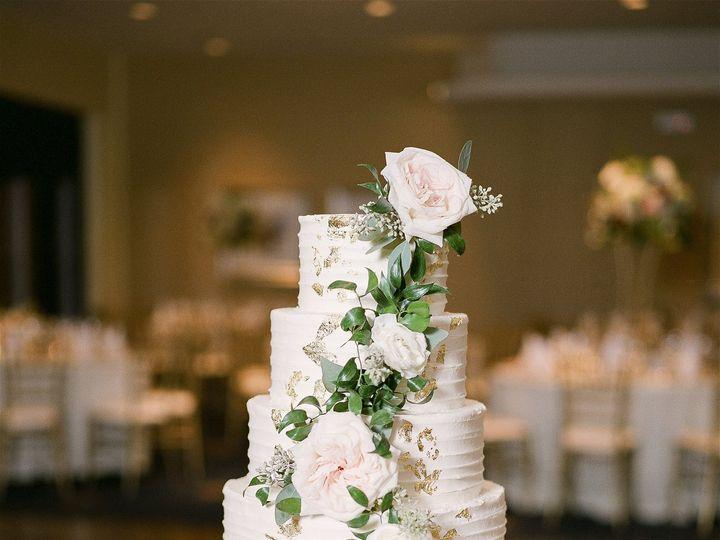 Tmx Katehargismikeandrachel 51 21043 Saint Louis wedding cake