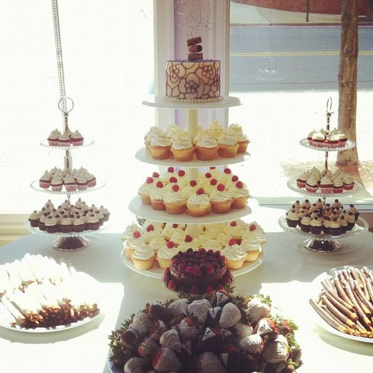 Cupcake towers and desserts