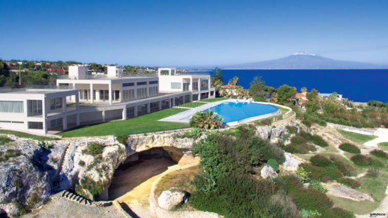 Stunning villa on a cliff