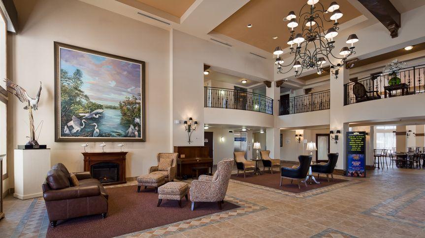 Gateway Grand Hotel Lobby