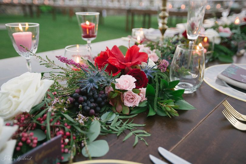 cloud 9 wedding flowers flowers orlando fl weddingwire. Black Bedroom Furniture Sets. Home Design Ideas
