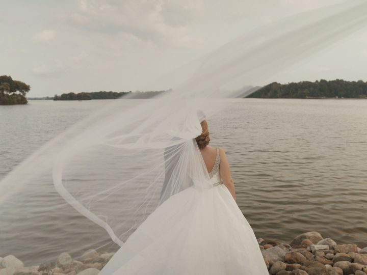 Tmx 1539579928 42a1a9addee540d2 1539579923 182e733926ae0649 1539579902548 11 Flowing Veil Ann Arbor, MI wedding videography
