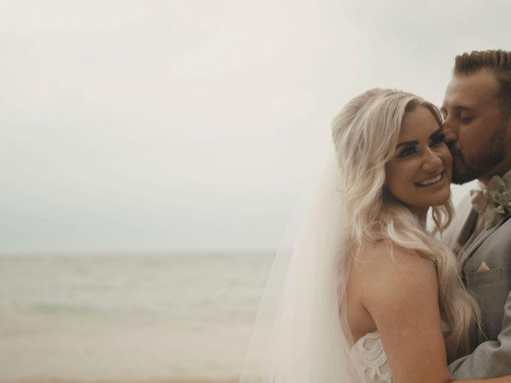 Tmx 1539579956 0df1200c90451dab 1539579945 667371b6eeb71ebd 1539579902573 39 Kissing At The Be Ann Arbor, MI wedding videography