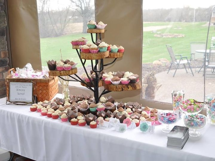 Tmx 1517332302 32d62687deaa95c0 1517332301 Ad0dcc71c363bc86 1517332293978 3 Cupcake Stand 1 Spring Valley wedding eventproduction