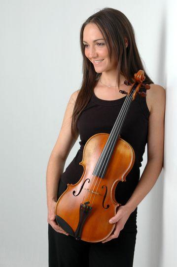 Solo viola player