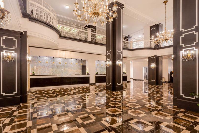Stunning lobby decor