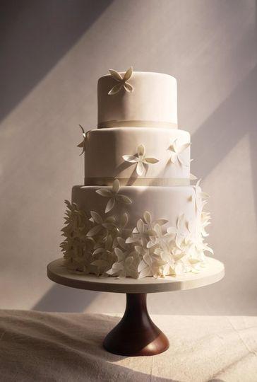 charm city cakes wedding cake baltimore md weddingwire. Black Bedroom Furniture Sets. Home Design Ideas