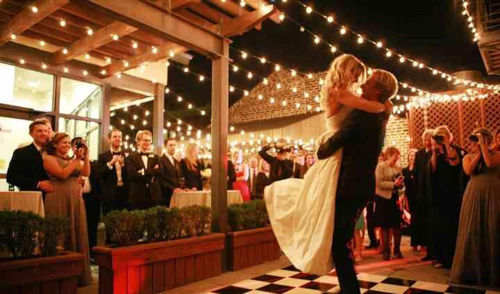 Elegant Savannah Weddings