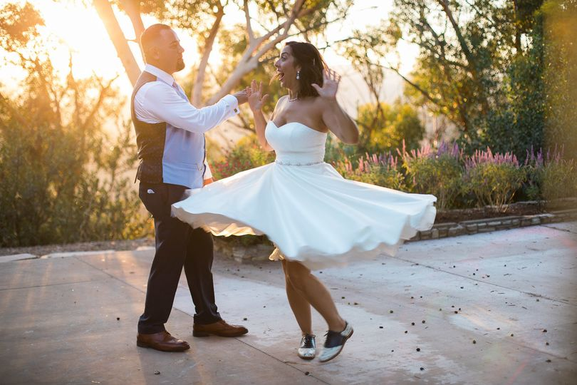 Such a fun couple.  I love this photo because it shows their style so well. (Elizabeth Burgi...