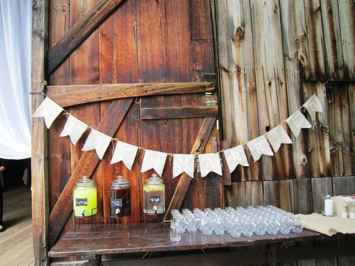 Lemonade/Iced tea stand